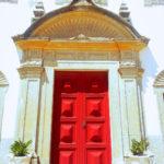 Porte de l'église du sanctuaire Cap Espichel