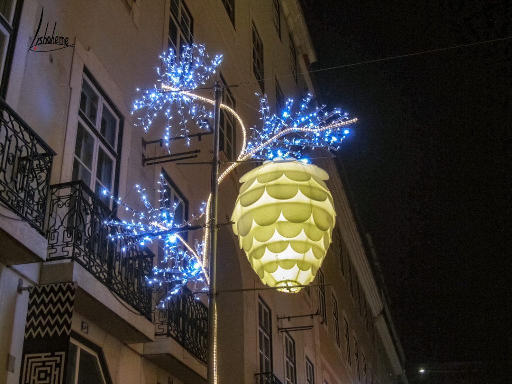 Détail lumière de la rue du Carmo, lumières de Noël de Lisbonne 2018