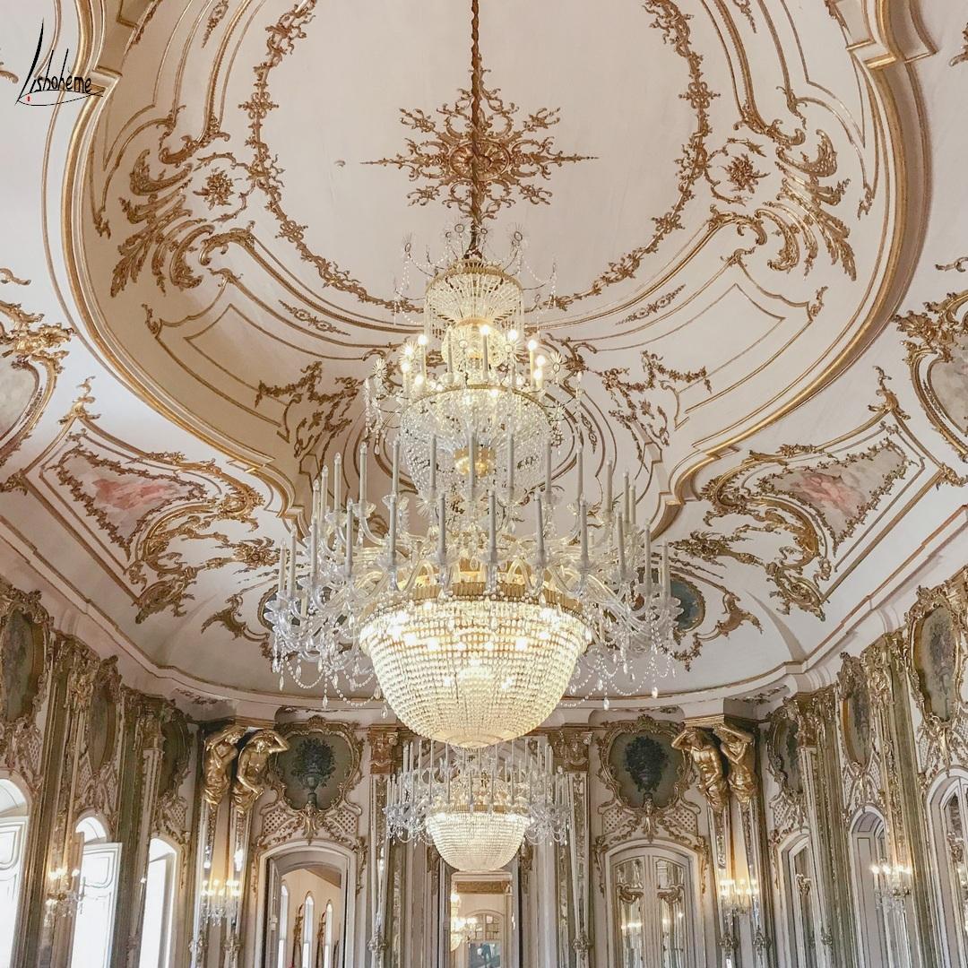 Plafond décoré de la salle du Trône, Palais de Queluz à Sintra, près de Lisbonne, Portugal