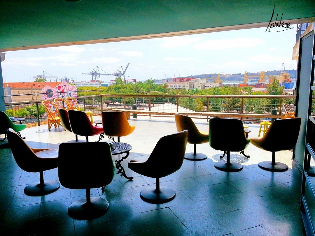 terrasse vide bar lisbonne portugal