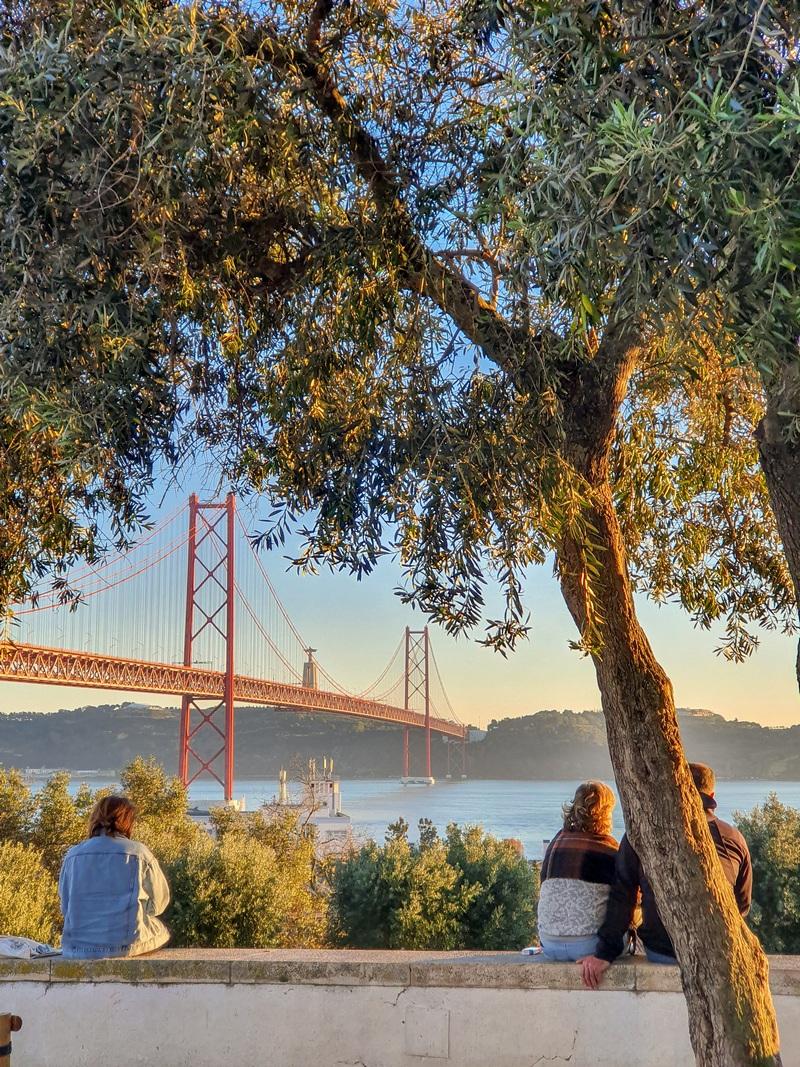 Miradouro Santo Amaro, Vue sur le pont 25 Avril, Alcântara, Lisbonne, Portugal