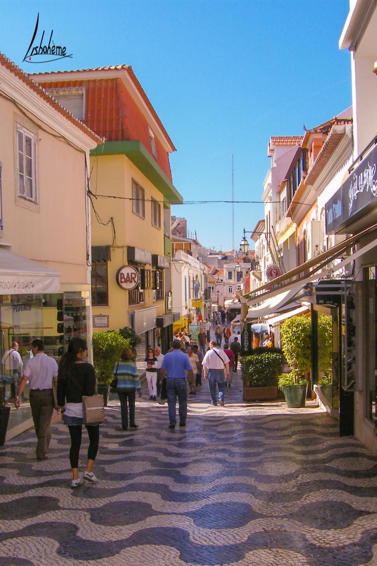 Rue de Cascais, région de Lisbonne, Portugal